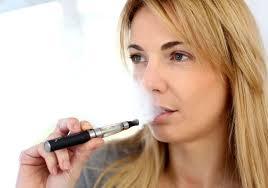 fuma sigaretta elettronica