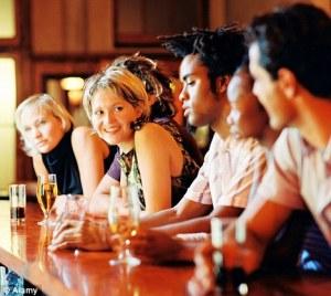gente-al-bar