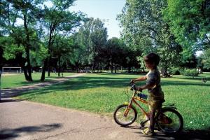bambino-al-parco