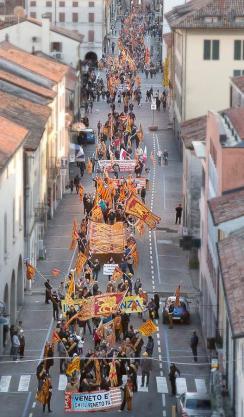 manifestazione con Corso Cittadella pieno