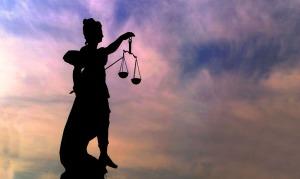 Justitia - Goettin der Gerechtigkeit Copyright (2002) by BilderBox.com, Erwin Wodicka, A-4062 Thening. Verwendung nur nach unseren AGB: www.bilderbox.com/agb.html ( in an einer einem auf als + und and & im beim mit einen am ) Justizia, Gericht, Gerechtigkeit, Justizbehšrden, Justizbehoerden, Rechtssprechungen, Rechtsprechungen, Gerichtshof, Tribunal, Waagschalen, Waagen, Streiten, Streitigkeiten, Symbolisches, Symbole, symbolischer, sinnbildlicher, sinnbildliches, Symbolbilder, Recht und Ordnung, Gerechtigkeitssinn, Justizbarkeit, Entscheiden, Entscheidungen, Gerichtsurteilen, Gerichtsverhandlungen, Gšttinnen, rechtmŠ§iges, rechtmaessiges, gesetzlicher, Rechtsanspruch, Gleichberechtigung, Gerichtshšfen, Urteilssprechungen, verurteilt, KriminalitŠt, Kriminalitaet, Rechtschaffenheit,Redlichkeit, Wahrheitsfindung, abgeben, sprechen, Urteilsspruch, Fairness, Fairne§, Rechtsanwaltskammern, RechtsanwŠlten, Juristen, Auslegungssache, verbrechen, siegen, siegt, Klugheit, Schlauheit, Rechtswesen, Gerichtswesen, Gerichtsbarkeit, Gerichtsverfahren, Judikatur, juristischen, Fehlurteilen, Gerichtsverhandlungen, Rechtswissenschaften, Rechtsgebiet, Justizwesen, Gesetzen, Gesetzestexten, Ungerechtigkeiten, Beklagter, Klagendes, Beklagten, Verklagender, entschiedenen, gewinnen, verlieren, verlorenen, Streitparteien, Schiedsgericht, Schlichten, Schlichtungsstellen, streiterischen, Streithanseln, Ehre, Ehrlichen, Ehrlichkeit, Glaubhaften, Zeugenaussagen,